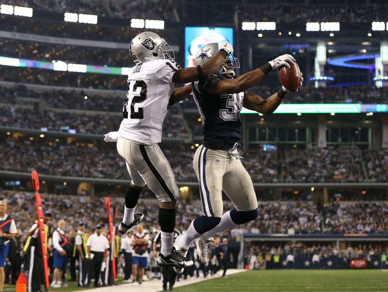 Jacoby Ford Raiders Cowboys